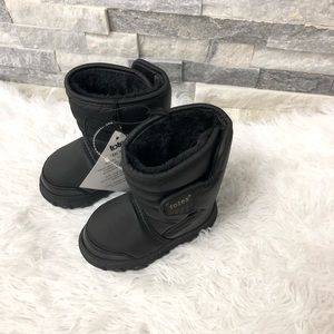 New totes baby snow winter boots size 6